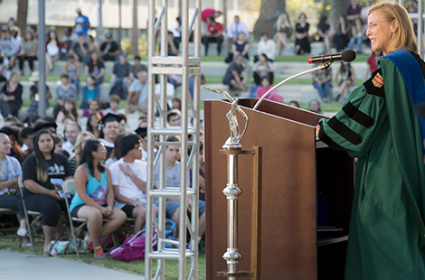 President Harrison welcomes new students to CSUN