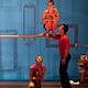 Les 7 doigts de la main: Séquence 8 is an acrobatic dance performance.