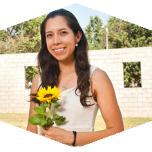 CSUN student Frida Herrera receives major award.
